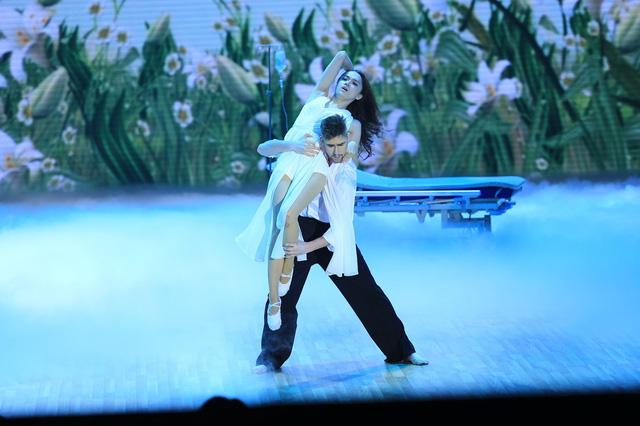 Hương Giang Idol và Geogri Ganev mang đến những phút sâu lắng qua điệu múa đương đại kết hợp Samba