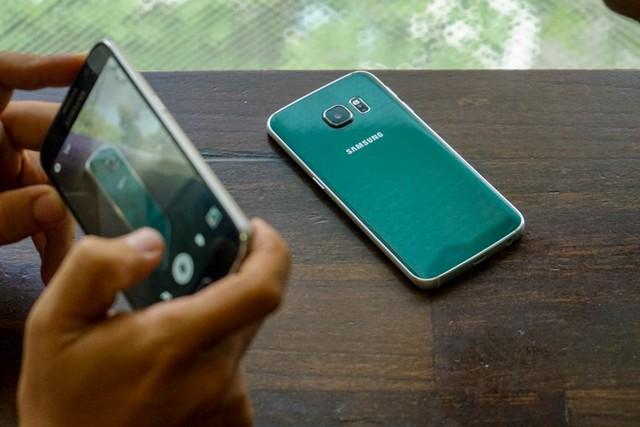 2 siêu phẩm của dòng Samsung Galaxy cũng đã chính thức giảm giá trong tháng 8/2015. (Ảnh: Trí Thức Trẻ)
