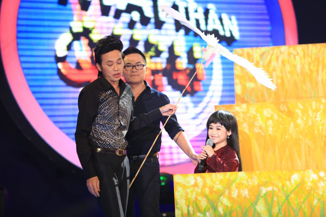 Bảo Ngọc trêu chọc giám khảo Hoài Linh ngay trên sân khấu