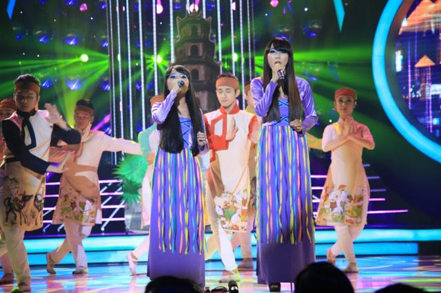 Các giám khảo nhận xét để hát giống ca sĩ Bảo Yến là rất khó. Hai cô trò dù chưa hát thực sự giống dù đã hát được giọng Huế.