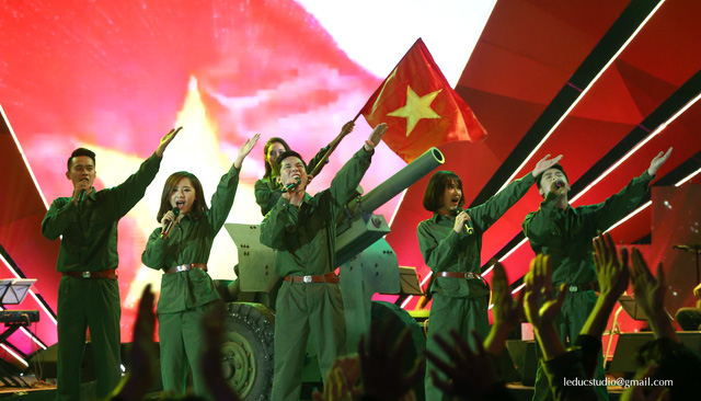 Đây là đội thi nhận được tỉ lệ khán giả bình chọn cao nhất, qua đó lọt vào đêm Chung kết sẽ diễn ra vào ngày 20/12.