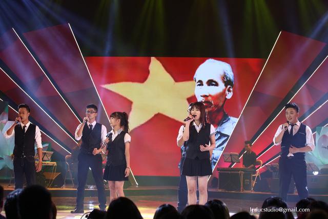 Đại học Bách khoa Hà Nội được HLV Thái Thùy Linh lựa chọn vào đêm Chung kết Tuổi 20 hát.