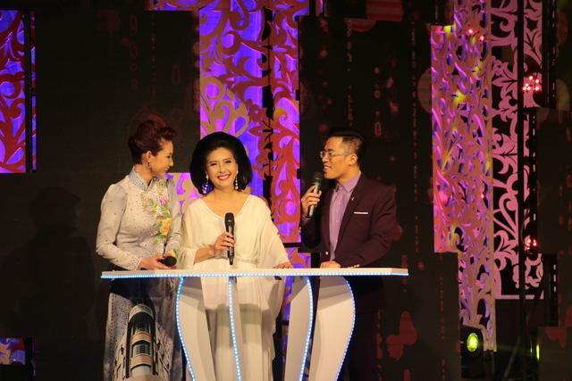 Quỳnh Chi, Quốc Bình và một khách mời trong chương trình