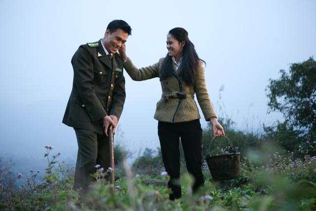 Vân (Vân Anh đóng) và Thành (Việt Anh đóng) có một mối tình đẹp trong phim.