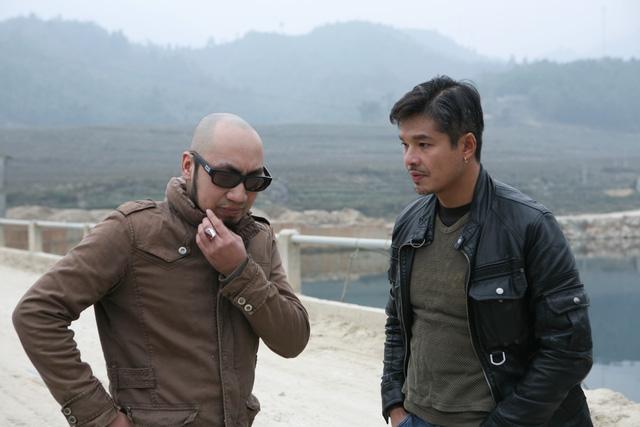 Nam diễn viên Lâm Vissay đảm nhận vai Long (bên phải) trong phim.