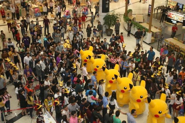 Đông đảo người hâm mộ đã có mặt để tham dự chương trình