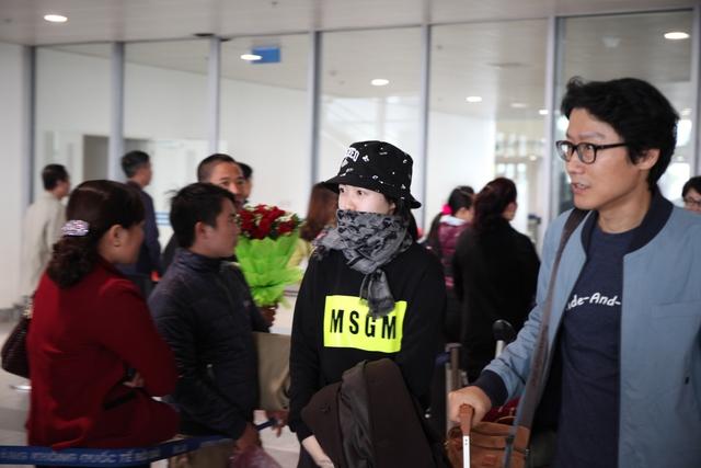 Diễn viên đảm nhận vai bà nội trong bộ phim Miss Granny Shim Eun-Kyung và đạo diễn Hwang Dong Hyeok