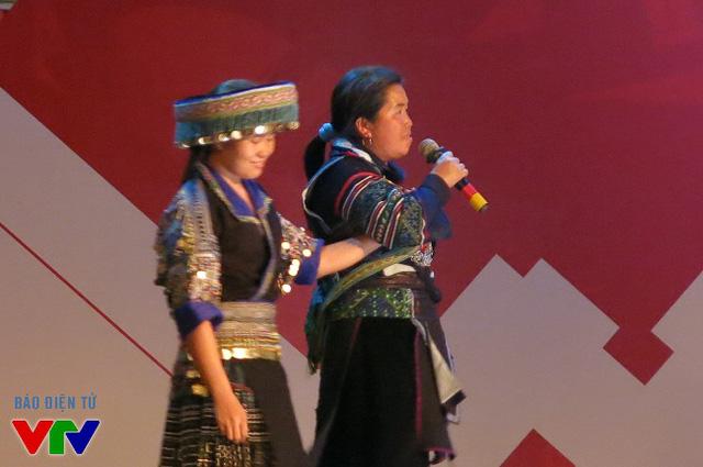 Màn kết hợp độc đáo Khèn môi - đàn nhị của dân tộc HMông 2 tỉnh Lào Cai, Đắk Lắk