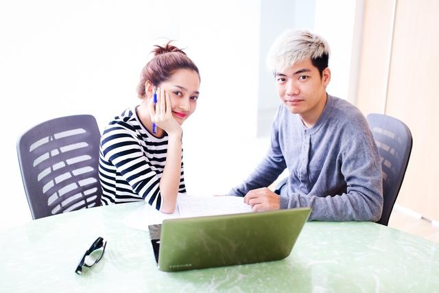 Bảo Anh làm việc cùng thành viên Addy Trần