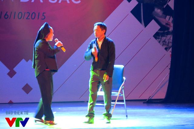 Tiết mục hát giao duyên của đồng bào dân tộc Nùng, tỉnh Lạng Sơn
