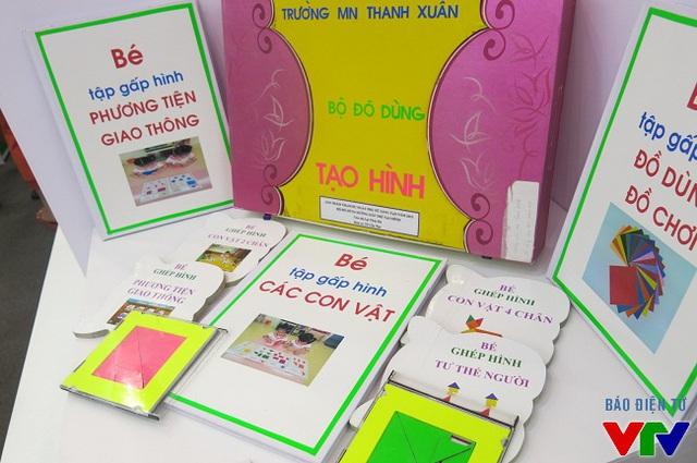 Bộ đồ dùng hướng dẫn trẻ tạo hình của tác giả Lại Thúy Hà
