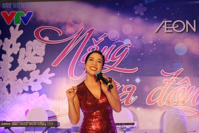 Đến với Ngon phố, thực khách có cơ hội gặp gỡ và giao lưu cùng ca sĩ Mỹ Linh