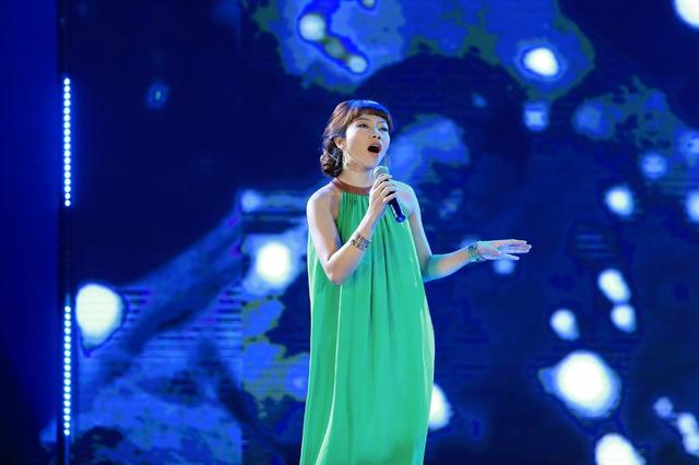Hà Trần thể hiện ca khúc chủ đề của bộ phim Của đề dành