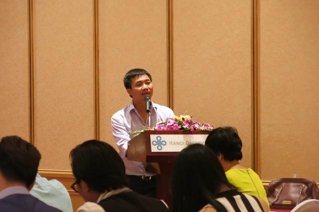 Đạo diễn Đỗ Thanh Hải phát biểu tại buổi họp báo ra mắt phim.