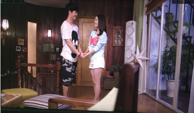 Linh và Junsu hạnh phúc bên nhau.