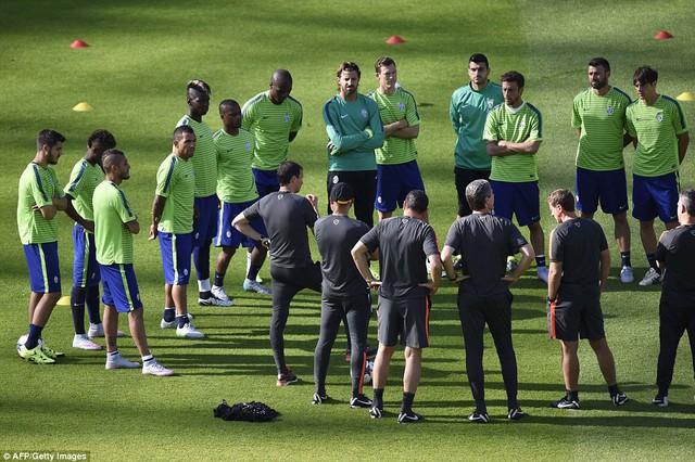 Juve thắng hoa với đội hình là sự kết hợp già-trẻ, mới-cũ.