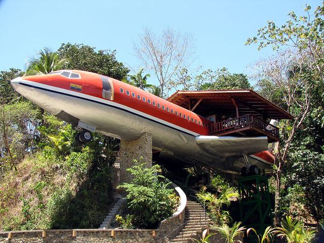 Khách sạn hình máy bay nổi bật ở Costa Rica.