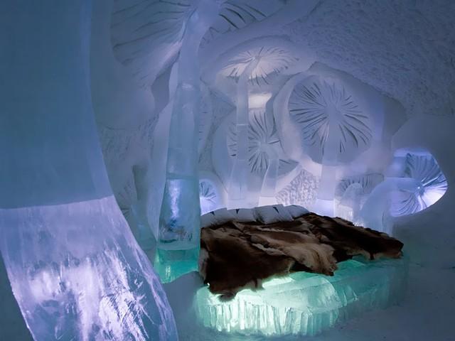 Khách sạn ở Jukkasjarvi (Thụy Điển) làm hoàn toàn bằng băng, tuyết.