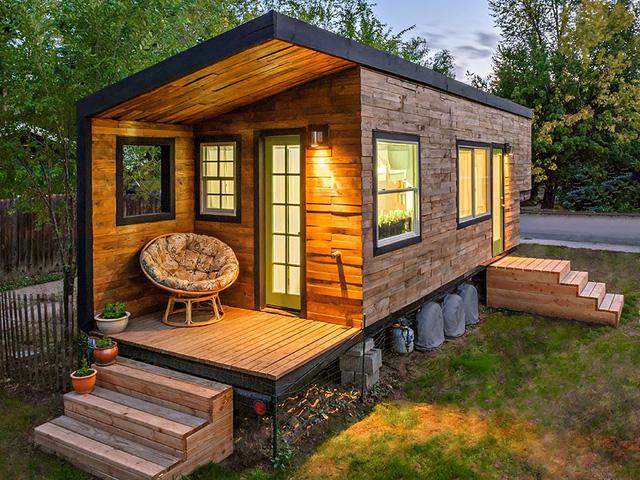 Căn nhà đẹp mắt được làm hoàn toàn bằng gỗ, nằm thơ mộng ở khu vực ven đô tại Idaho (Mỹ).