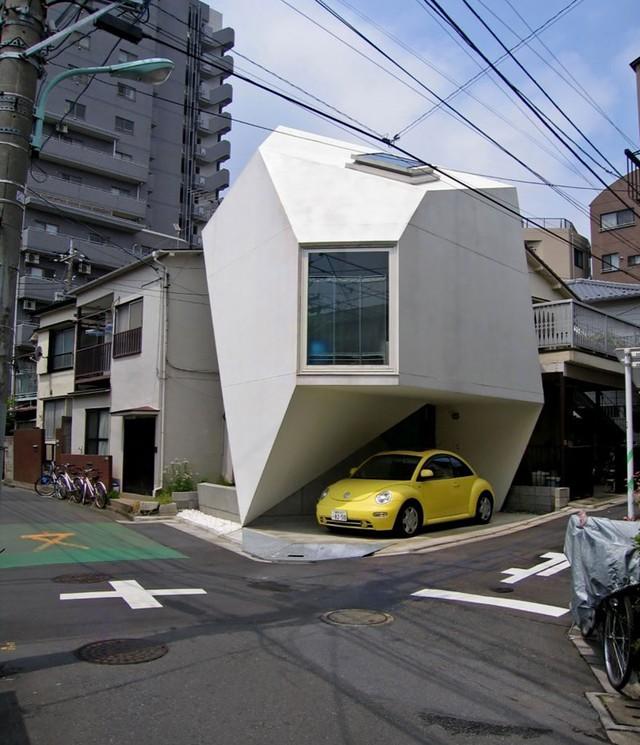 Một căn nhà ở Tokyo (Nhật Bản) nổi bật với thiết kế gọn gàng và mang hình đa giác ấn tượng.