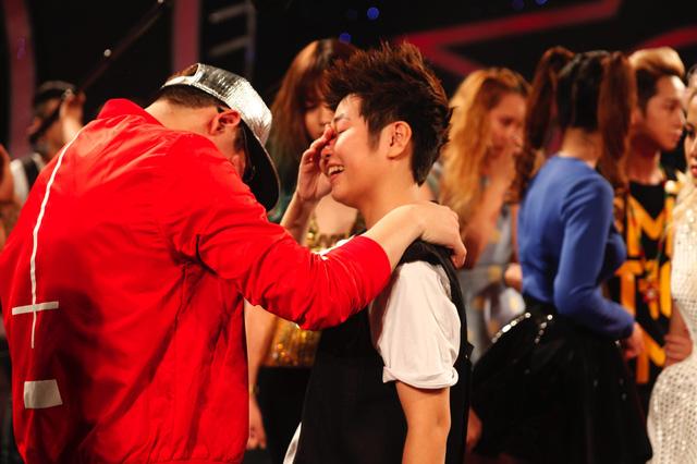 Các thí sinh chia tay Kim Linh