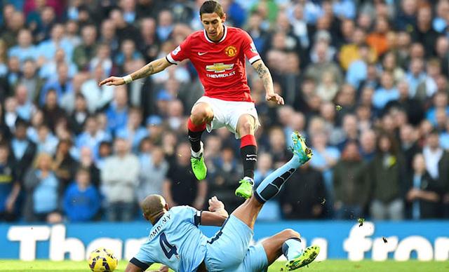 Kompany (số 4) sẽ khó lòng tham dự derby Manchester.