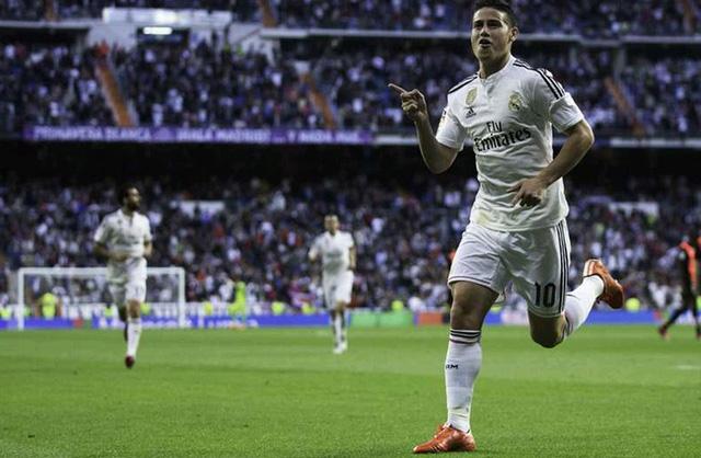 James Rodriguez có mùa giải đầu tiên khá ấn tượng trong màu áo Real Madrid ở La Liga. Với 13 bàn sau 29 lần được ra sân, James có những thời điểm được coi là cứu tinh của Real Madrid.