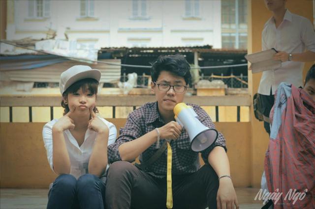 Lê Hà Nguyên và ca sĩ Hoàng Yến Chibi tại trường quay của MV Ngây Ngô.