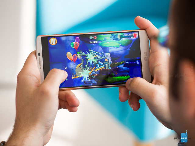 Màn hình chính của LG V10 có kích thước 5,7 inch, độ phân giải Quad HD