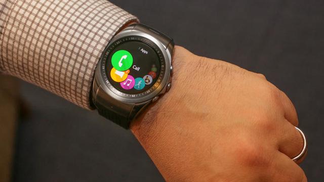 LG Watch Urbane được tích hợp nhiều tính năng hỗ trợ người dùng