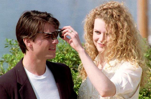 Nicole Kidman thời còn trẻ trung tại LHP Cannes năm 1992. Đây cũng là thời điểm còn mặn nồng của cô và chồng cũ - tài tử Tom Cruise.