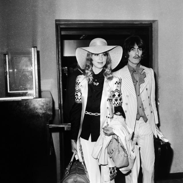 Pattie Boyd là bóng hồng của George Harrison - cựu thành viên ban nhạc huyền thoại The Beatles. Cô cùng chồng tới LHP Cannes năm 1968.