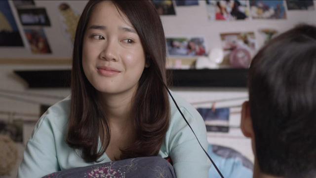 Junsu chăm Linh khi cô bị ốm.