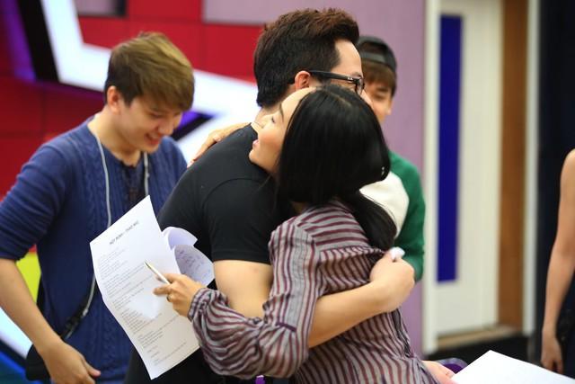 Các thí sinh Học viện ngôi sao không chỉ yêu mến mà còn coi ca sĩ Đoan Trang như một người chị thân thiết