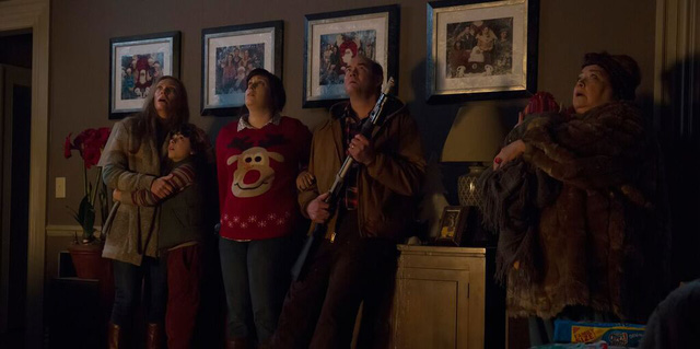 Đêm Giáng sinh đã trở thành cơn ác mộng với tất cả thành viên trong gia đình