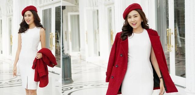 Cô gái thời tiết còn hào hứng đăng tải hình ảnh trang phục mang sắc màu Giáng sinh