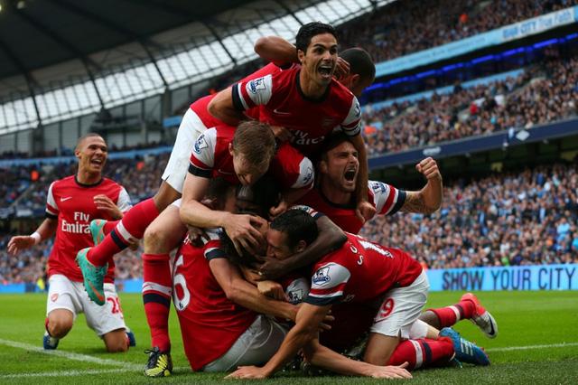 Arsenal chỉ cách vị trí thứ 2 của Man City vẻn vẹn 4 điểm