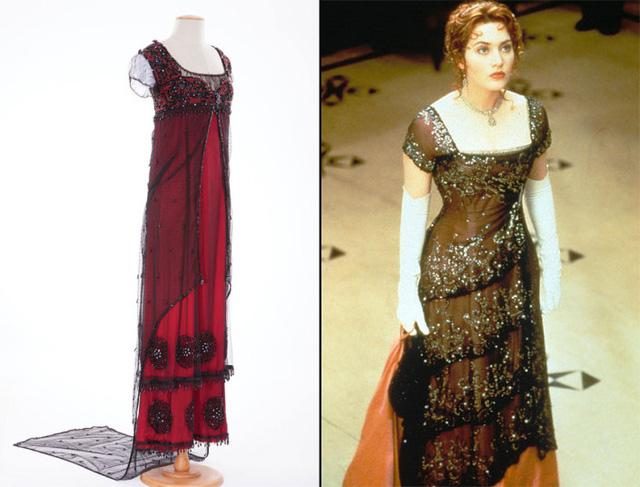 Xếp vị trí cuối cùng trong Top 10 kỷ vật đắt giá nhất Hollywood chính là chiếc váy kinh điển của nàng Rose trong Titanic. Chiếc váy được bán với giá 270.000 USD