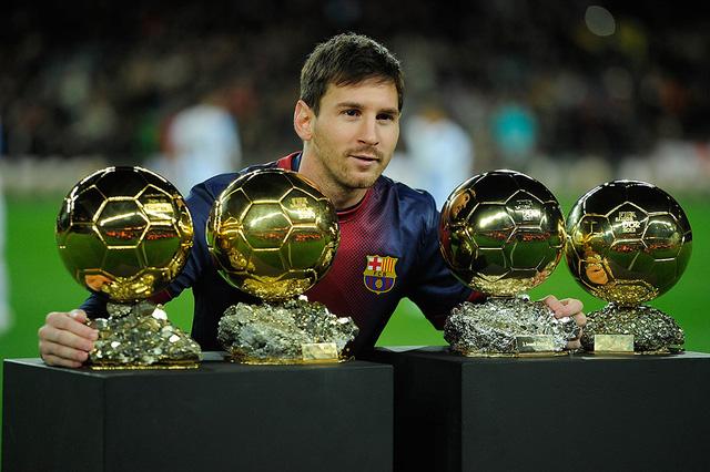 Trong 9 năm qua, Lionel Messi đã trở thành một huyền thoại của Barcelona và La Liga. Anh cũng là chủ nhân giải thưởng Cầu thủ xuất sắc nhất thế giới trong 4 năm liên tiếp (từ 2009-2012).