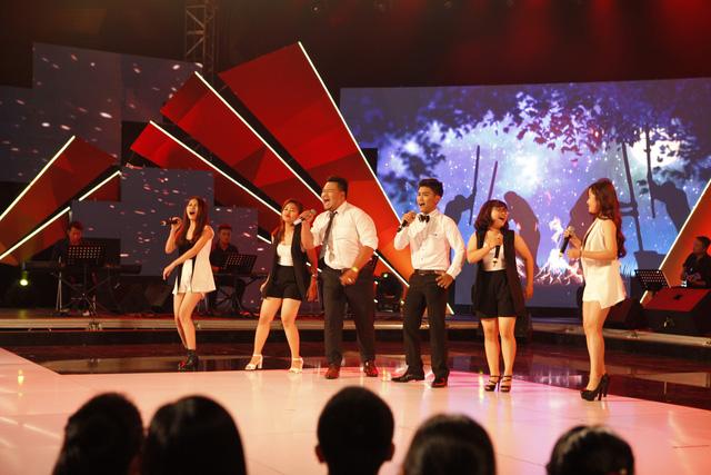 Đại học Sài Gòn với phần trình diễn sôi động ca khúc Tiếng chày trên sóc Bom Bo.