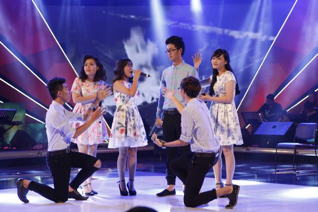 Đội chơi cuối cùng đến từ trường Đại học Kinh tế - Luật TP.Hồ Chí Minh đã thể hiện tươi mới ca khúc Tôi là Lê Anh Nuôi.