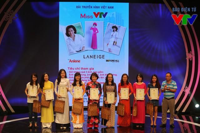Các thí sinh nhận giải phụ của Miss VTV 2015.