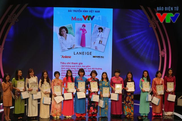 Các thí sinh nhận giải C của Miss VTV.