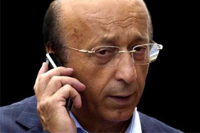 Cựu chủ tịch CLB Juventus - Luciano Moggi bị cấm hoạt động bóng đá vĩnh viễn trong scandal Calciopoli vào năm 2006