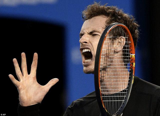 Nhưng Murray đã kịp trở lại và đưa trận đấu về thế cân bằng sau khi san hòa tỉ số 1-1 cũng sau loạt tie-break cân não.