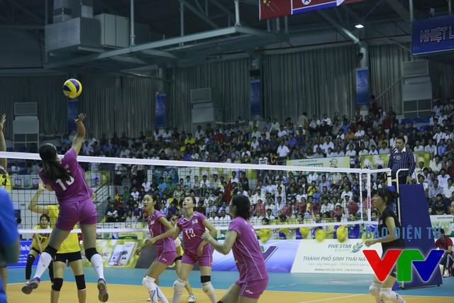Trong vai trò chuyền 2, Ren Wenqian luôn có mặt ở những điểm nóng và thi đấu nổi bật.