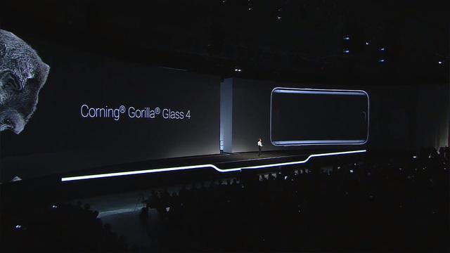 Máy được trang bị kính cường lực Gorilla Glass 4