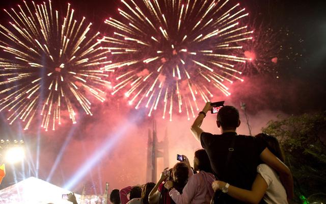 Người dân Phillippines cầu mong một năm mới với nhiều điều tốt lành