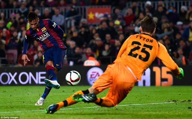 Neymar lập một cú đúp trong chiến thắng 5-0 của Barcelona