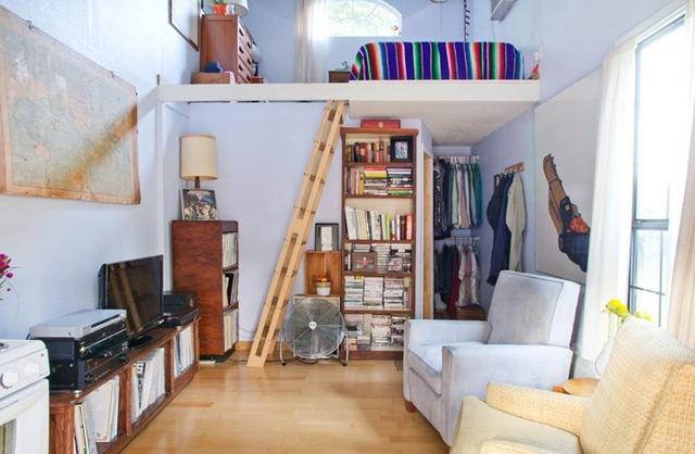 Diện tích trong nhà chỉ có 23m2 nên chủ nhân sử dụng không gian mở để có được cảm giác không gian rộng rãi hơn.